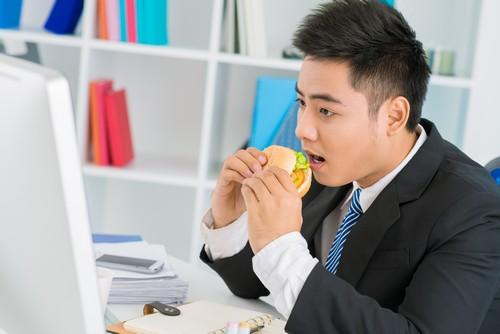 Dân công sở có nguy cơ mắc bệnh trào ngược dạ dày