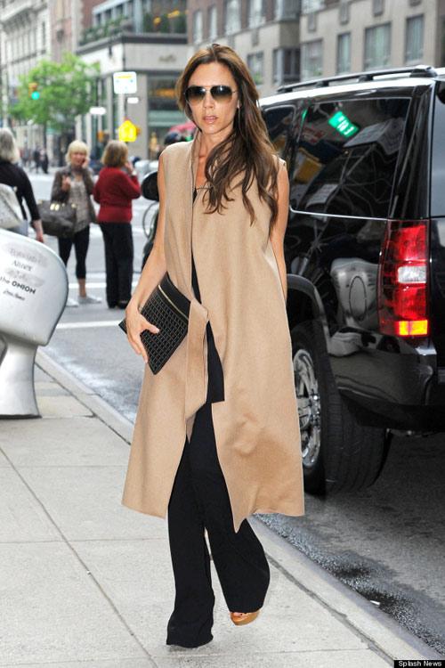 Victoria Beckham gợi ý thời trang cho nữ công sở Sài thành