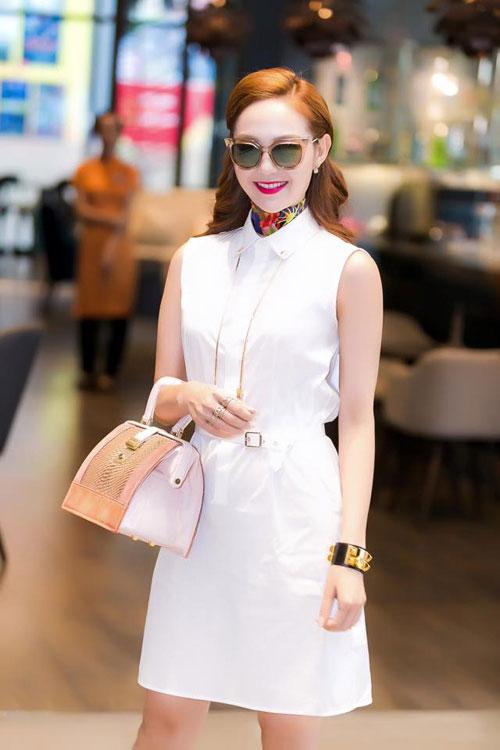 Sao Việt đã nâng tầm đẳng cấp cho sơ mi váy như thế nào ?