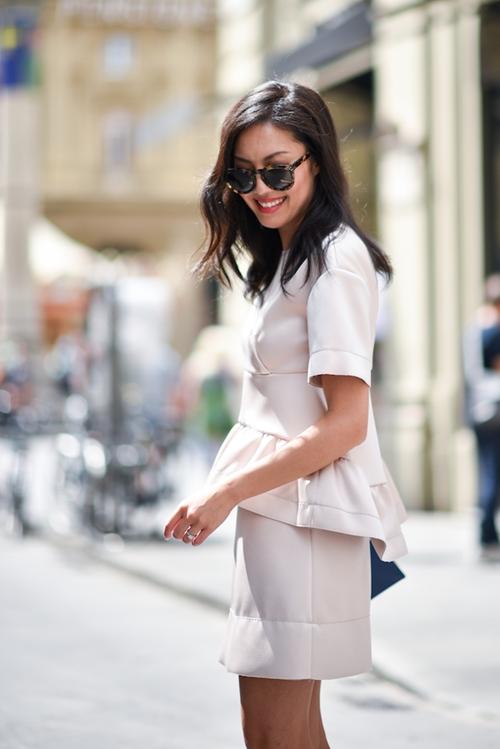Học nàng công sở gốc Việt nổi tiếng mặc đẹp