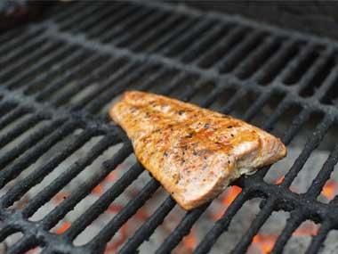 Lý do bạn nướng và rán cá không ngon