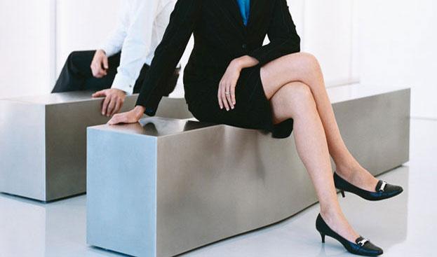 Tác hại của việc ngồi chéo chân mà bạn nên biết