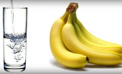 Tại sao nên ăn chuối và uống nước ấm buổi sáng