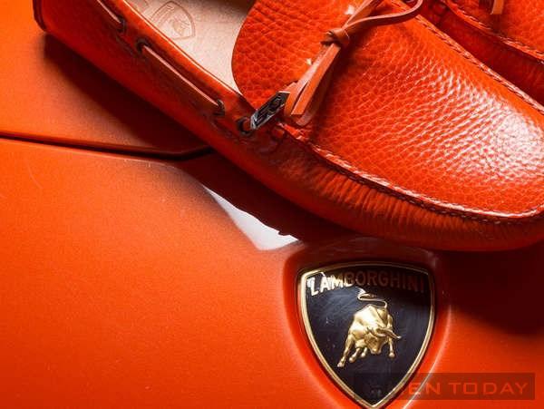 Giày loafers cho các chàng mê siêu xe Lamborgini