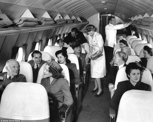 Nhìn lại sự thay đổi của trang phục tiếp viên hàng không
