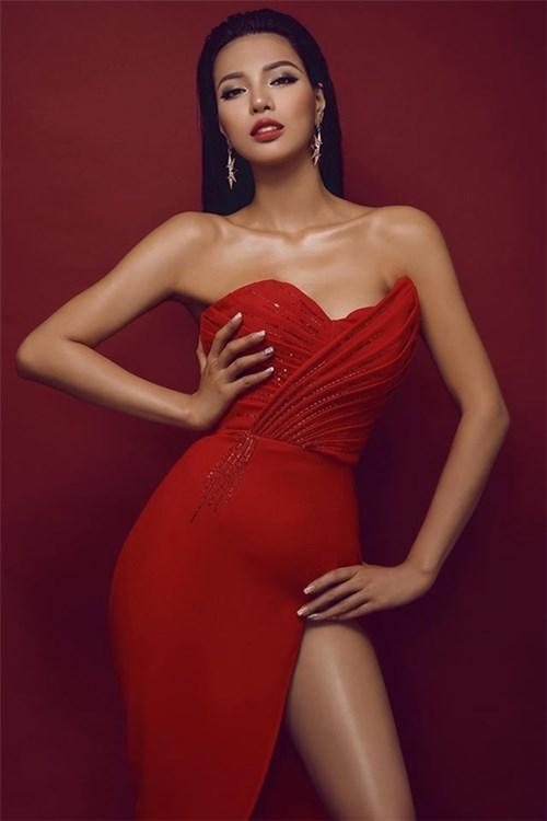 Khả Trang được tôn vinh tại Miss Eco Universe