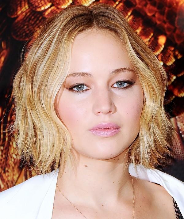 10 kiểu tóc đẹp cho quý cô mặt tròn