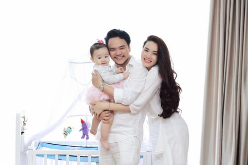 Con gái Trang Nhung hóm hỉnh đón sinh nhật