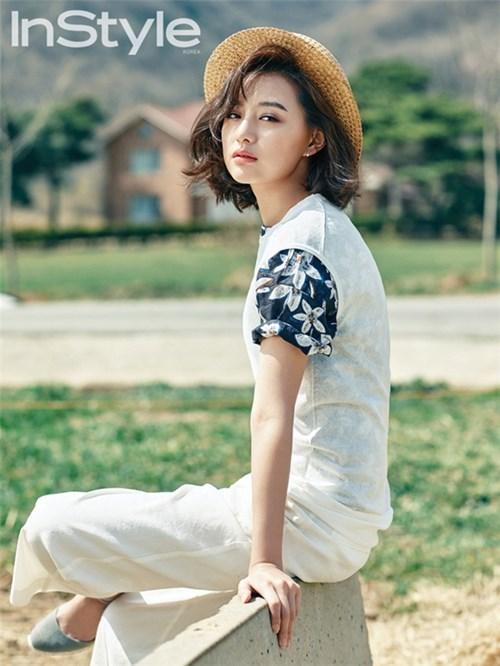 Đón hè với 8 công thức phối đồ đẹp như Kim Jin Won