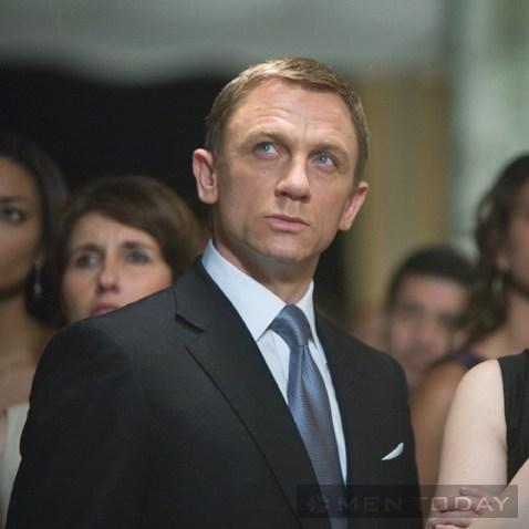 Học cánh phối cravat lịch lãm như James Bond đầy nam tính