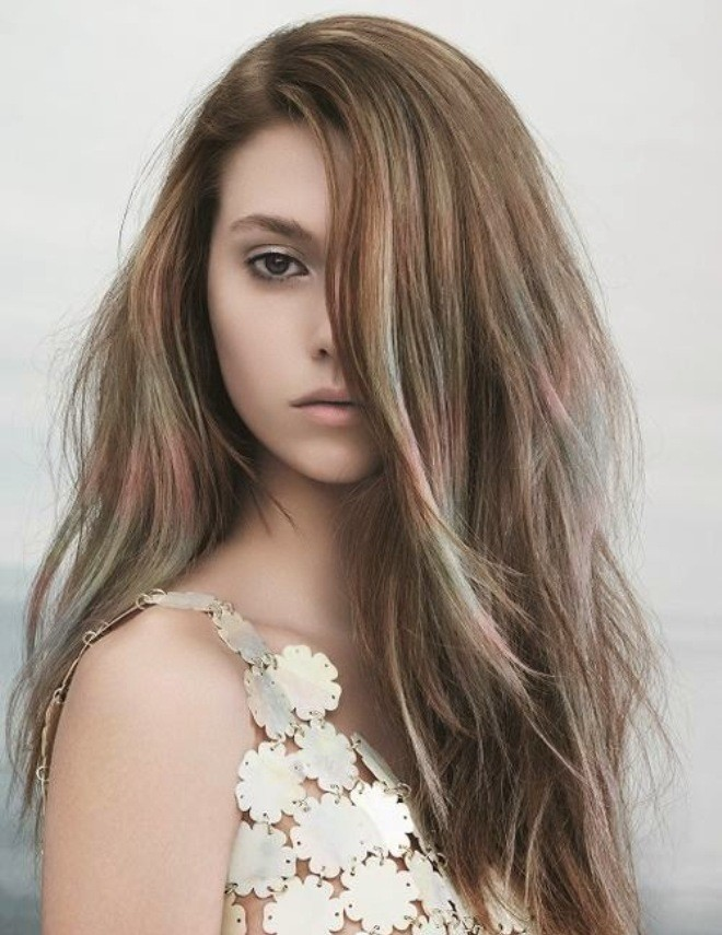 Màu tóc nhuộm giúp da nàng thêm sáng