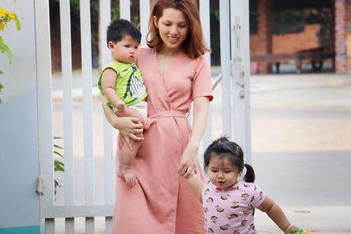 Mẹ 2 con ở Sài Gòn chia sẻ cách làm tôm chua cực hot