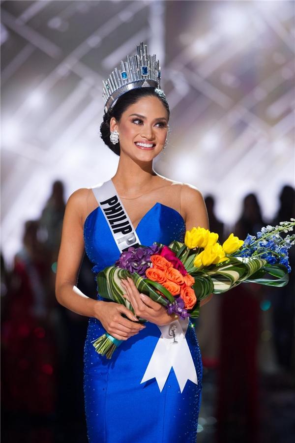Ngỡ ngàng với nhan sắc của tân Hoa hậu Hoàn vũ Philippines Maxine