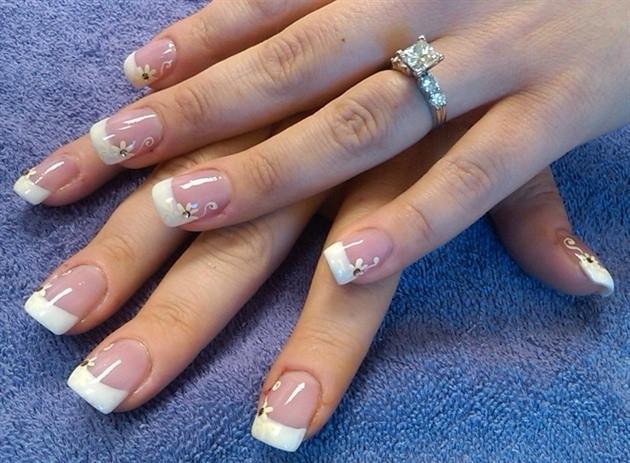 Những mẫu nail sang trọng, quý phái cho cô dâu ngày cưới