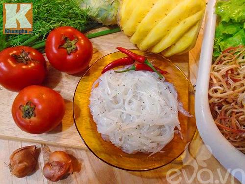 Thanh mát ngon cơm với món canh riêu cá ngần nấu dứa