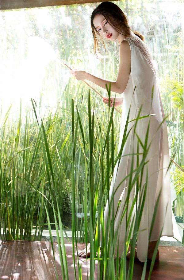 Thiên thần Jun Vũ mong manh với sắc trắng
