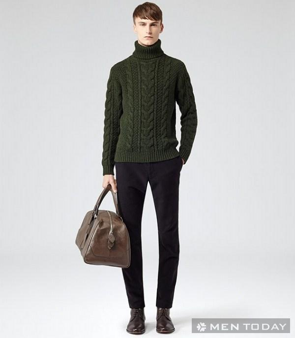 Thời trang cùng trang phục xanh ngọc lục bảo