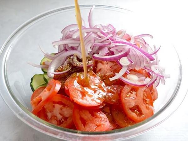 Thực đơn ăn kiêng giảm cân khoa học với 4 món salad