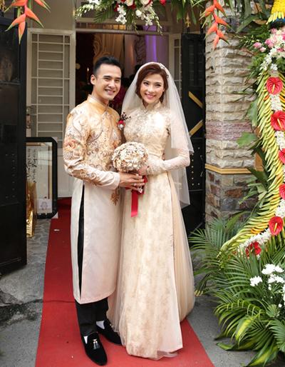 Thúy Diễm sửa áo dài cưới ba lần vì sao?