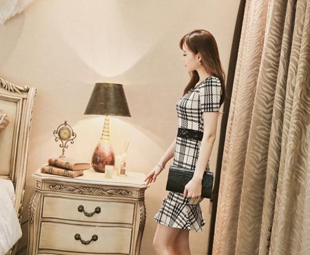 Váy đầm sọc caro cho bạn gái thêm nét thanh lịch đầy cá tính