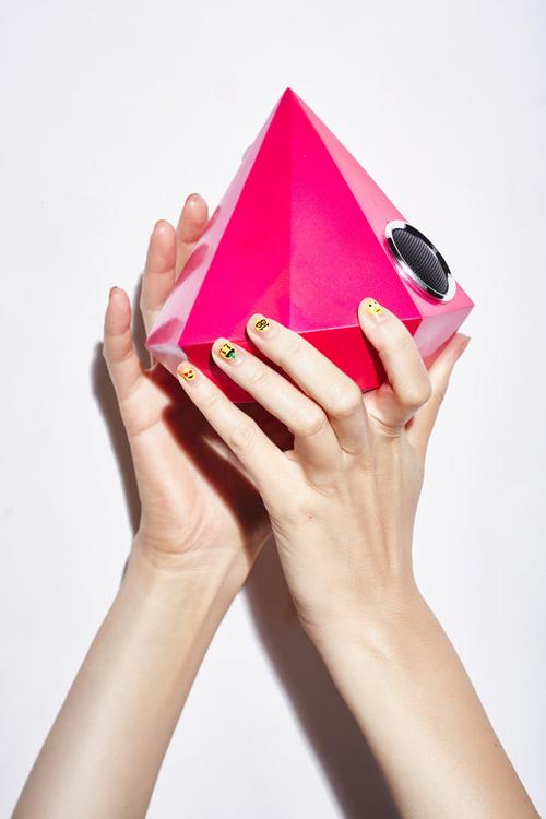 Vẽ nail cực thời trang với bộ cảm xúc độc đáo