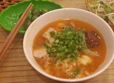 2 quán bánh canh nổi danh ở Hà Nội