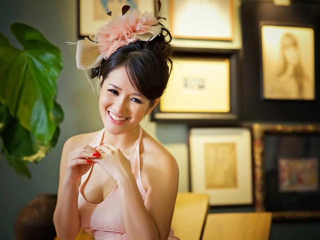 Diva Hồng Nhung lạc bước vào vườn địa đàng