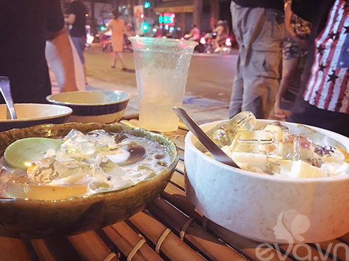 Flan thập cẩm tươi mát ngày nóng ở phố Trần Bình Trọng