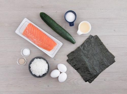Hấp dẫn khó cưỡng với món sushi cá hồi tự làm
