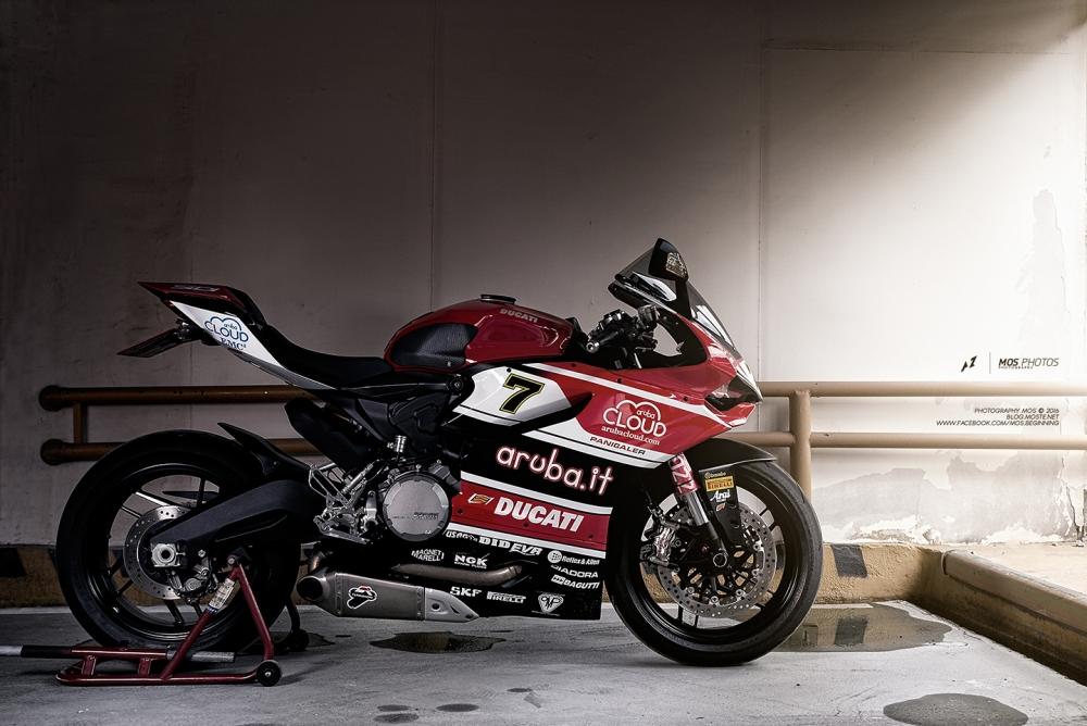 Hình ảnh siêu chất của Ducati 899 Panigale độ tem đấu