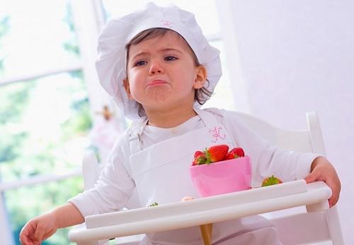 Lý do nào khiến trẻ biếng ăn chậm lớn ?