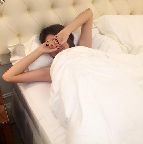 Nhật ký detox giữ dáng, đẹp da buổi sáng của Miranda Kerr