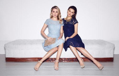 Thu hút ánh nhìn với đầm ren theo phong cách Anh quốc.