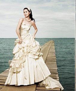 5 mẫu tóc cô dâu Hàn Quốc cho nàng thêm duyên dáng