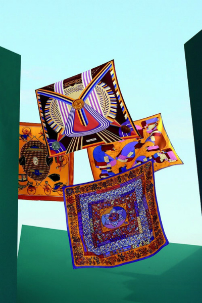 Bí ẩn hình vuông Hermès