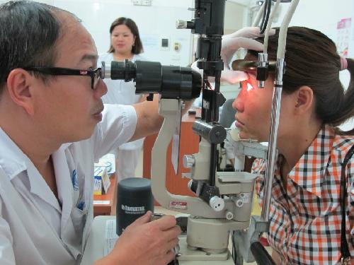 Cách phòng bệnh đau mắt đỏ khi vào mùa dịch