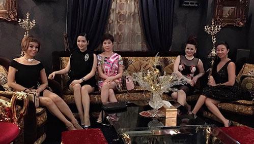 Giáng My tiết lộ về biệt thự dát vàng của nhà chồng Hà Tăng
