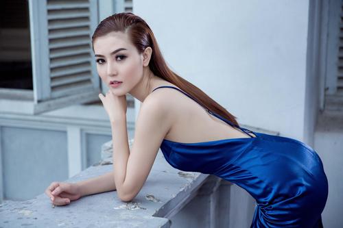 Ngắm giải Đồng Siêu mẫu diện váy bó quyến rũ