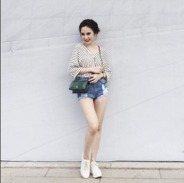 Sốc với giá váy của Angela Phương Trinh ?