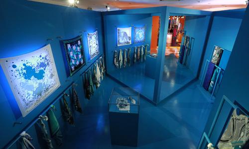 Thế giới sắc màu của Hermès pop-up store