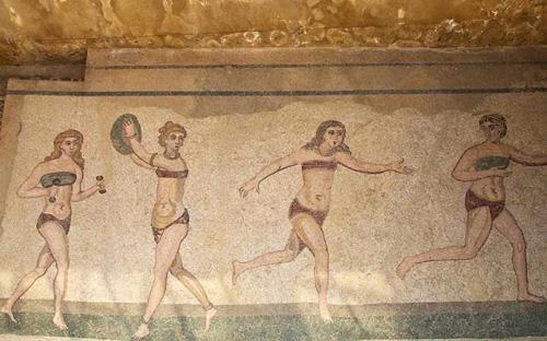 Bikini được ra đời như thế nào ?