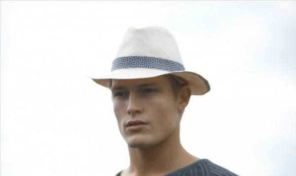 BST mũ mùa hè cho các chàng trên tạp chí Fantastic Man