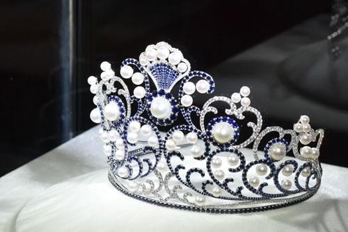 Đằng sau chiếc vương miện đẹp nhất của Hoa hậu Việt Nam