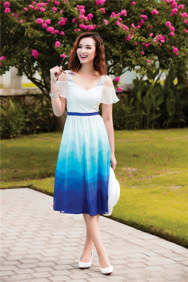 Điệu đà, nữ tính với sắc xanh như Lã Thanh Huyền