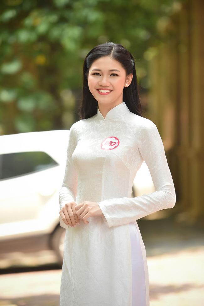 Em gái cao 1m80 của á hậu Trà My đi thi hoa hậu VN