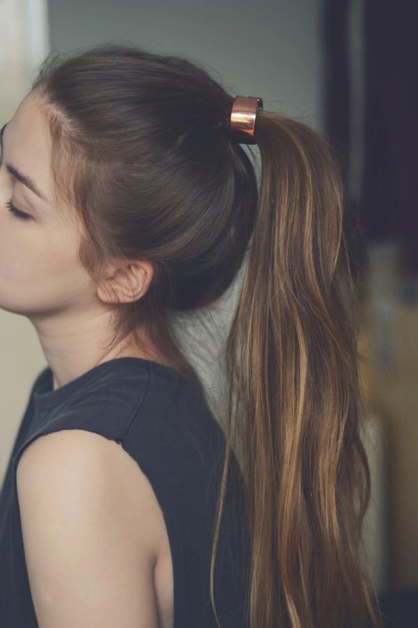 Kiểu tóc buộc đuôi ngựa phong cách ngày hè