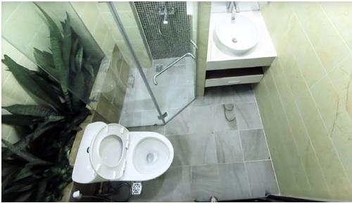 Ngắm phòng tắm 100 triệu đồng trong ngôi nhà 36 m2