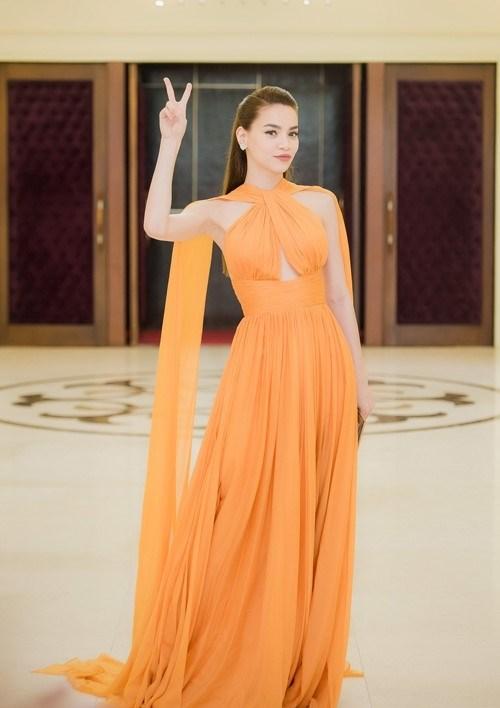 Ngắm sao Việt như thiên thần khi diện váy trên thảm đỏ