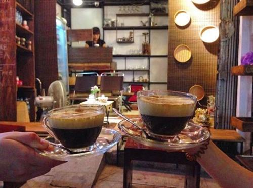 10 quán cà phê 'tên một chữ' đi cùng năm tháng ở Hà Nội