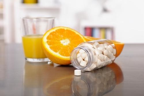 6 cách uống nước cam 'lợi đâu không thấy mà...đau hoài'